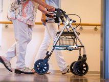 Pflege-Entlastung: Erst ab diesem Einkommen müssen Kinder für ihre Eltern zahlen